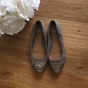 Gap taupe Bella Flats with Glitter tips sz 6